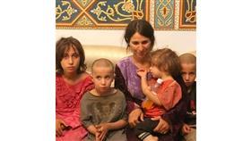 إحدى مخطوفات السويداء مع أولادها وتدعى عبير شلغين