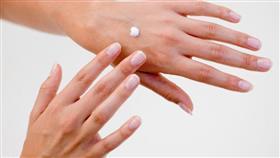 اسباب جفاف اليدين