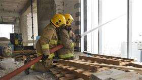 «الإطفاء»: تمرينا عمليا في مبنى قيد الإنشاء.. للتعامل مع حرائق المباني المرتفعة