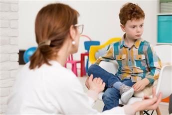 أعراض التوحد عند الأطفال في سن الثالثة