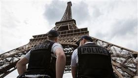 الشرطة الفرنسية بجوار برج إيفل