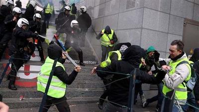 الشرطة البلجيكية تعتقل 450 من أنصار «السترات الصفراء»