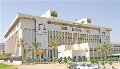 السجن 5 سنوات لمواطن ووافد مصري بتهمة تزوير الشهادات الدراسية