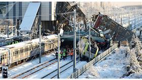 طائرة مسيرة توثق حادث اصطدام قطارين في أنقرة