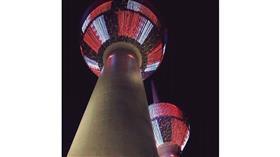 أبراج الكويت تحتفل بالعيد الوطني البحريني