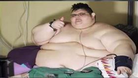 أسمن رجل في العالم يفقد 220 كلغم من وزنه