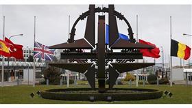 شعار الناتو أمام مقره الرئيسي في بروكسل