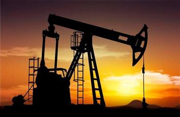 «الضربة الأمريكية الوشيكة» تقفز بأسعار النفط إلى مستوى قياسي