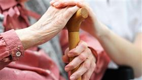 وفاة شريك الحياة في مرحلة متأخرة من العمر مرتبطة بضعف الإدراك