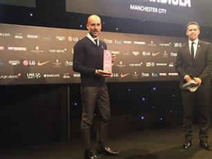 غوارديولا يتوج رسميًا بجائزة أفضل مدرب في الدوري الإنجليزي