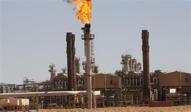 سوق النفط العالمي يتأثر سلبًا بفعل ملفي إيران وفنزويلا