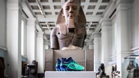 إلى جوار الآثار الفرعونية.. حذاء «محمد صلاح» معروض بالمتحف البريطاني