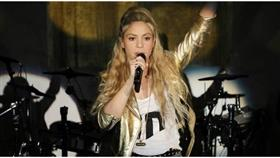 شاكيرا تبدأ جولتها العالمية «الذهبية» في هامبورج