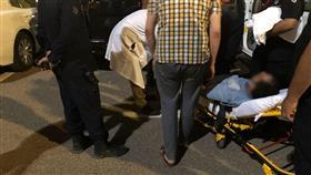 هبوط حاد يقود أحد المصلين للإصطدام بمركبتين في مواقف مسجد بلال بن رباح