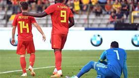 مصر تسقط أمام بلجيكا بثلاثية في آخر استعدادات المونديال