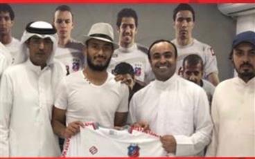 الكويت يحسم صفقة جديدة بضم التونسي حمزة الأحمر