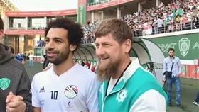 مونديال روسيا.. رئيس الشيشان يزور محمد صلاح في الفندق ويصطحبه إلى ملعب التدريب