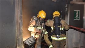 4 فرق إطفاء سيطرت على حريق مخزن للأسفنج والأصباغ بمنطقة الشعيبة الغربية