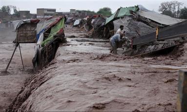 مقتل 6 بأعنف هطول للأمطار منذ ثمانية وثلاثين عامًا على لاهور الباكستانية