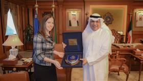 وزير الداخلية ومسؤولة أمريكية بحثا التعاون المشترك