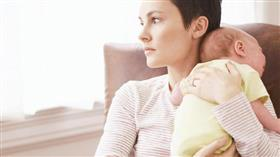 دراسة: زيادة معدل إصابة الأمهات لأول مرة بالاكتئاب