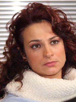 الموت يغيّب الفنانة السورية مي سكاف