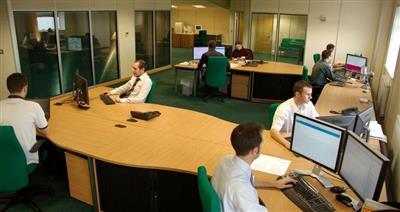 لهذه الأسباب.. العمل في «المكاتب المفتوحة» يقتل روح التعاون بين العاملين!