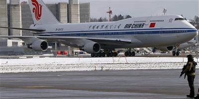 طائرة صينية تعود إلى باريس بعد تهديدها بالإرهاب