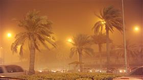 توقف حركة الملاحة البحرية مؤقتا في ميناءي الشويخ والدوحة لسوء الأحوال الجوية