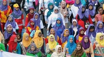 جدل في إندونيسيا بعد إلزام الطالبات بالحجاب