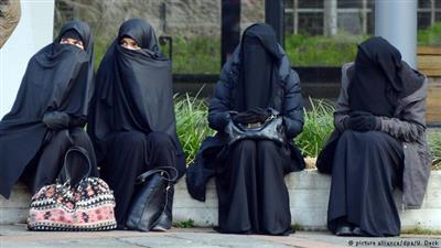 حظر النقاب في الدنمارك.. دخل حيز التنفيذ