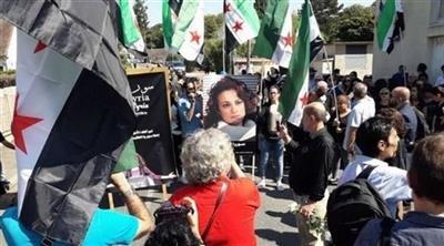 تشييع الممثلة السورية المعارضة مي سكاف قرب باريس