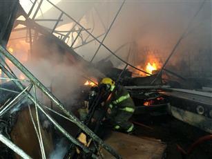 «الإطفاء» تسيطر على حريق منجرة بالشويخ الصناعية