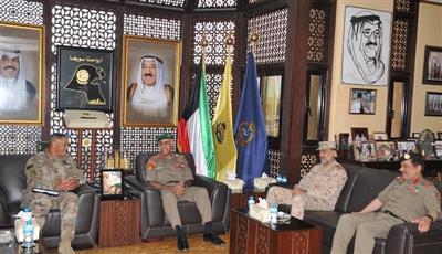 الكويت وأمريكا بحثتا التعزيز العسكري