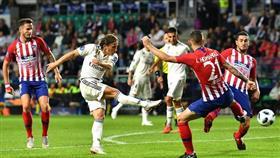 «الريال» يسقط أمام «أتلتيكو مدريد» في النهائي الأول بدون زيدان ورونالدو
