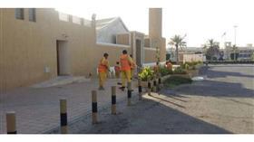 استعدادا لعيد الأضحى.. بلدية الكويت تغسل ساحات المساجد