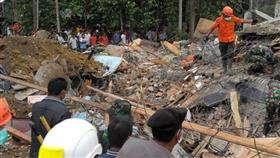 ارتفاع عدد ضحايا زلزال جزيرة لومبوك الإندونيسية لـ 555 قتيلًا