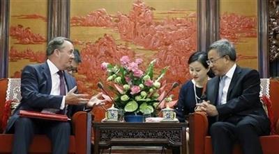 الصين: نبحث التوصل إلى اتفاق للتجارة الحرة مع بريطانيا