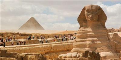إيرادات مصر من السياحة تقفز 77 في المئة