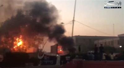 العراق: متظاهرون غاضبون يضرمون النار في محيط مبنى محافظة البصرة