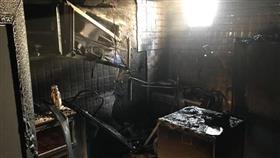 فرق الإطفاء تكافح حريقا شب في منزل بسعد العبدالله