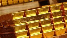 تراجع أسعار الذهب مع صعود الدولار بسبب المخاوف على التجارة