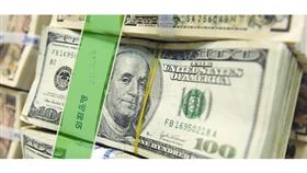 الدولار يرتفع بفعل المخاوف من الحرب التجارية