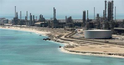 رويترز: السعودية تستهدف الحفاظ على سعر النفط عند 70-80 دولارا للبرميل