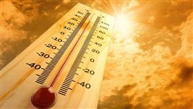 «الأرصاد»: طقس حار ورطب نسبيًا.. والعظمى 46