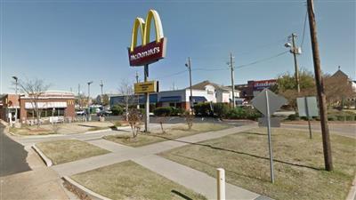 مقتل وإصابة 5 أشخاص بـ «ماكدونالدز» في «ألاباما الأمريكية».. والفاعل طليق