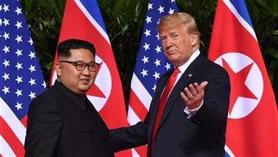ترامب يشكر كيم على العرض الخالي من «الصواريخ النووية»