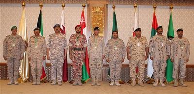 رئيس الأركان: ما تمر به المنطقة من تحديات وأحداث متسارعة.. يحتم علينا تضافر الجهود للحفاظ على وحدتنا الخليجية