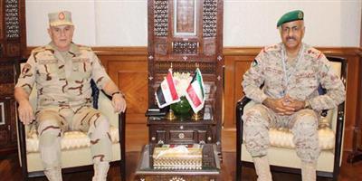 رئيس الأركان يبحث مع نظيره المصري التعاون المشترك
