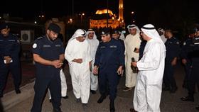الفريق عصام النهام خلال قيامه بجولة تفقدية لعدد من مجالس الحسينيات